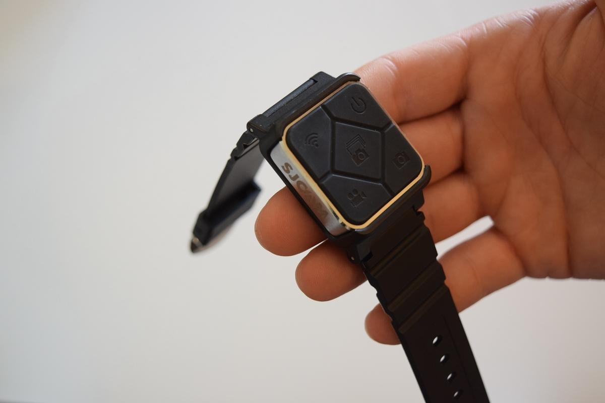 O Controlo Remoto Bluetooth apresenta boa qualidade de construção.
