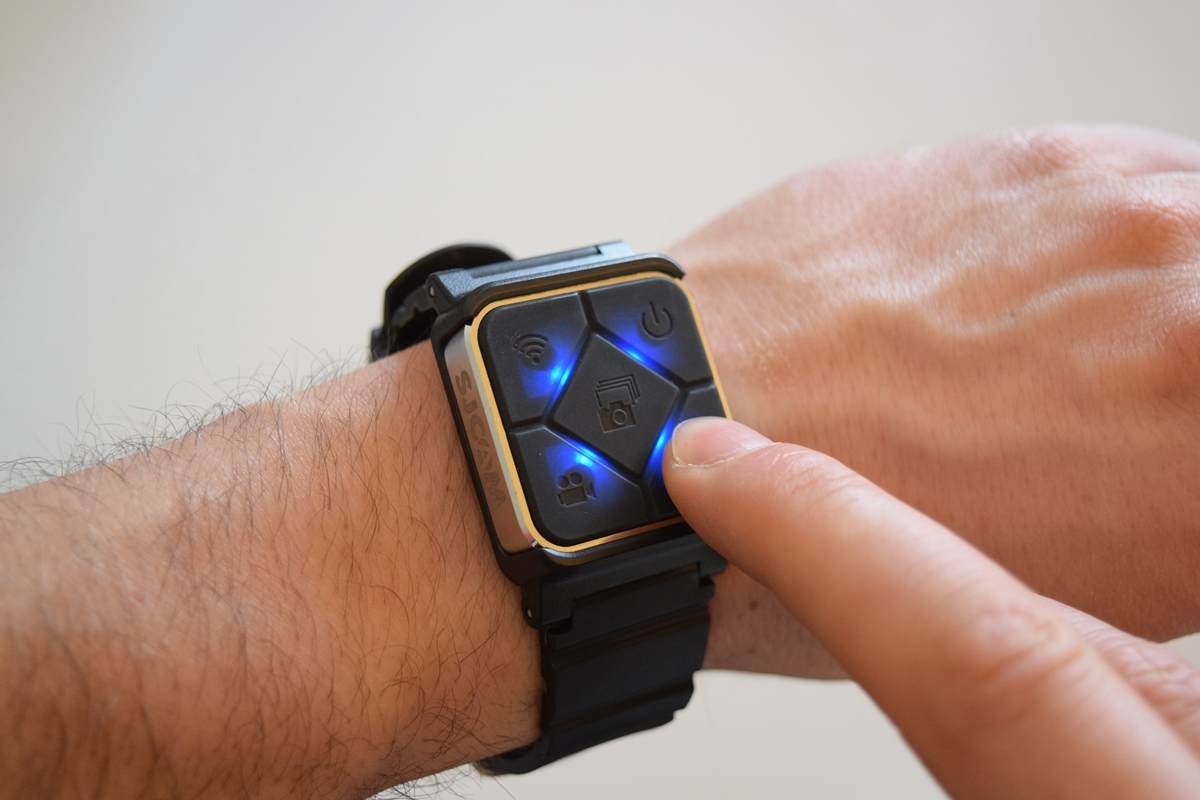 Controlo Remoto Bluetooth com bracelete relógio